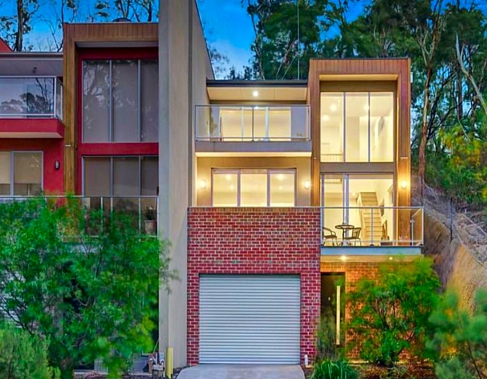 Townhouse Greensborough Front